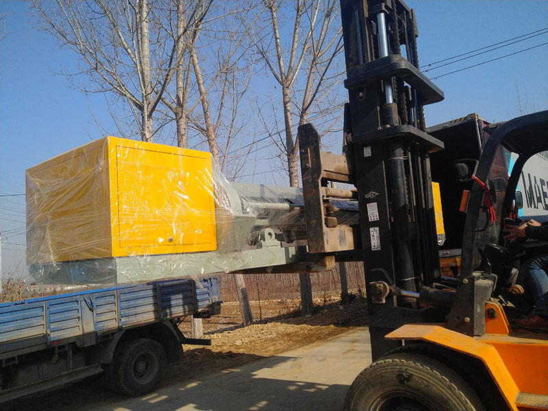 Heli forklifter machine, melamine powder, small log peeling machine exported to Indonesia
