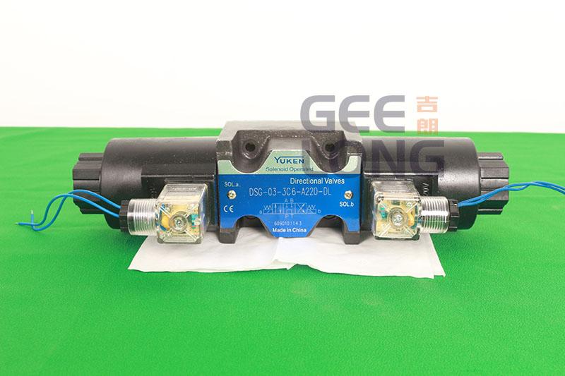 Sonenoid operated directional valves model: DSG-03-3C6-A220-DL