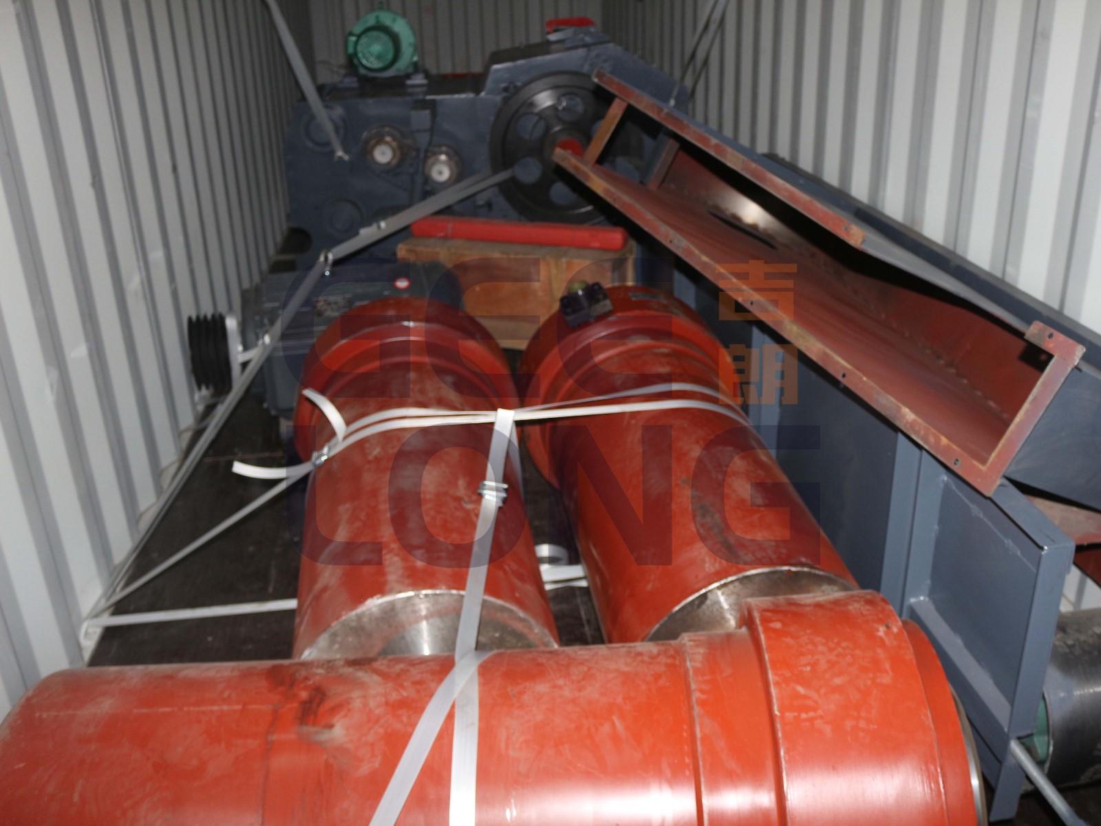 Hydraulic cylinder for plywood hot press machine.jpg